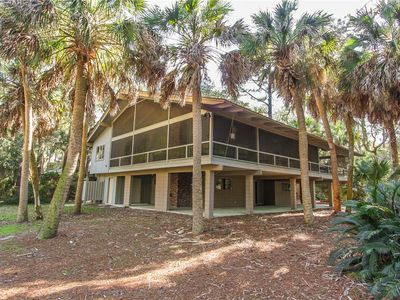 Photo for 3 South Beach Lane | Next to Beach Path | South Beach Pool Access | Wrap Around Screened Porch