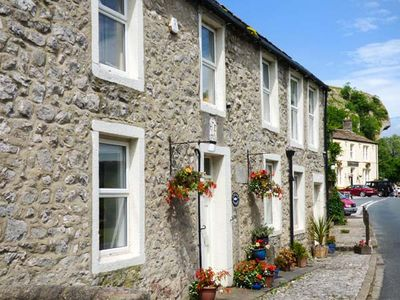 Photo for ANGLERS COTTAGE, pet friendly, with open fire in Kilnsey, Ref 921539