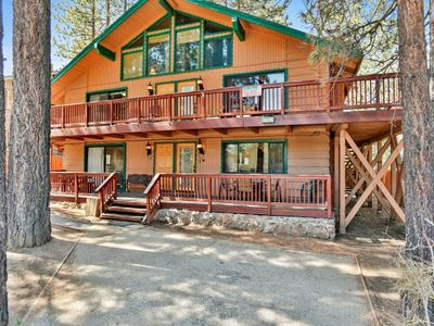 Photo for Summit Escape Lodge - FREE Kayak/Bike Rental! 4BR/3BA/Hot Tub/WiFi/Walk to Slopes