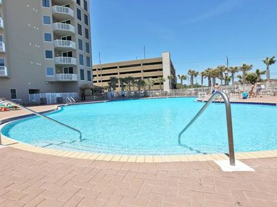 Photo for Welcoming Gulf front condo w/shared pool, hot tub, fitness center/spa, & more