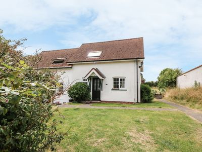 Photo for YEW TREE COTTAGE, pet friendly in Aberporth, Ref 951764