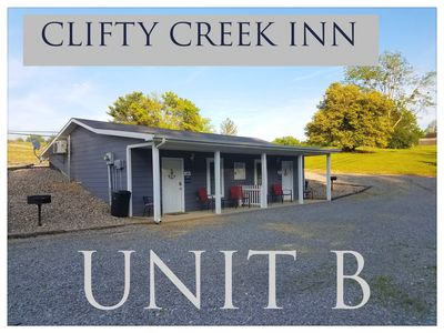 CLIFTY CREEK INN Unit B - 5 miles from Wolf Creek Dam, 2 miles from State Park