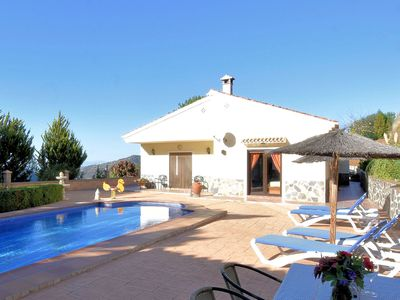 Photo for Independent villa with private pool  on an estate in Sayalonga Costa del Sol