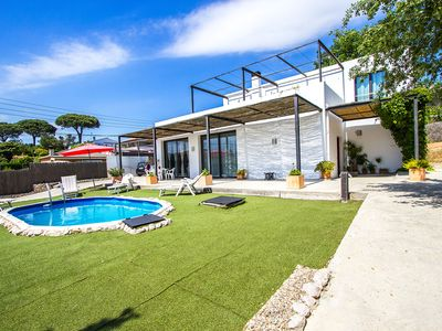 Photo for Catalunya Casas: Villa in Sils for up to 8 people, 20km to the beaches of Costa Brava