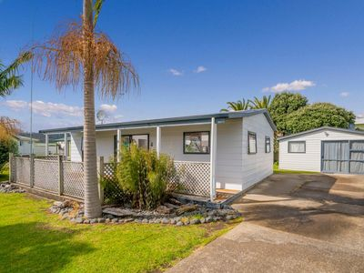 Photo for Endeavour Cottage - Whitianga Holiday Home