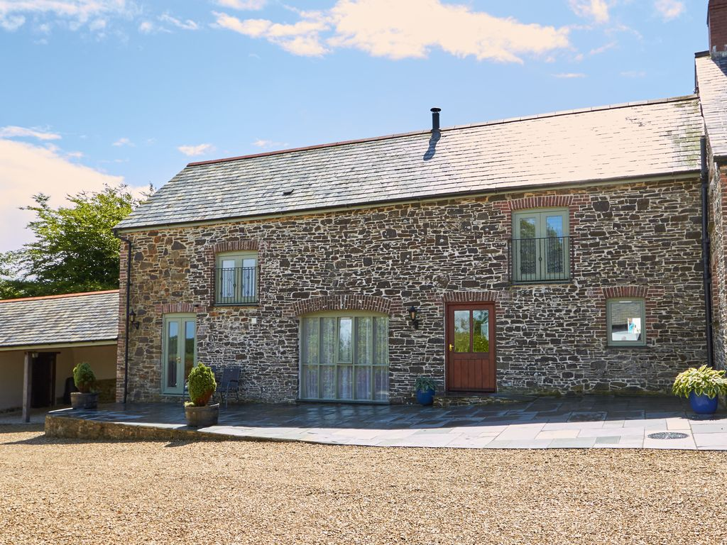 Barn Conversion e13473: gorgeous grade ll listed barn conversion in rural