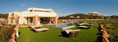 Photo for Big Modern House Very Accessable With Massive Pool And Beautiful Countryside Vie
