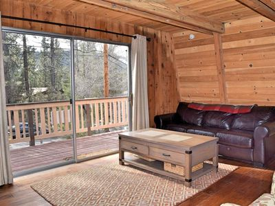 Photo for Owl's Perch: Near Bear Mtn! BBQ! Gas Fireplace! Deck! DirecTV! Great Location!