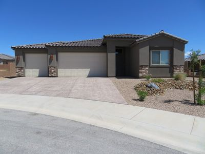 Beautiful 3 bedroom home with loads of amenities.