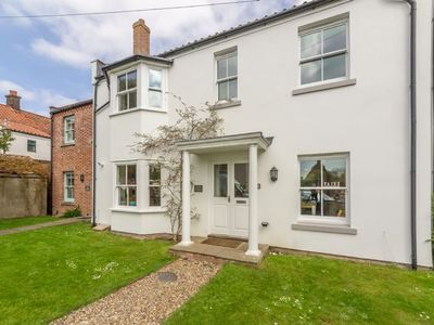 Photo for Situated in Wells, this charming house offers accommodation for up to 8 people.