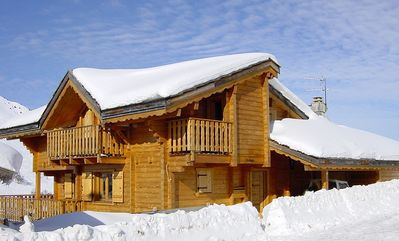 Photo for Impressive Chalet, 20m to Piste