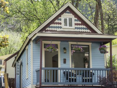 Photo for Charming Miner's Cottage, Walk to Downtown Glenwood Springs and Pools!