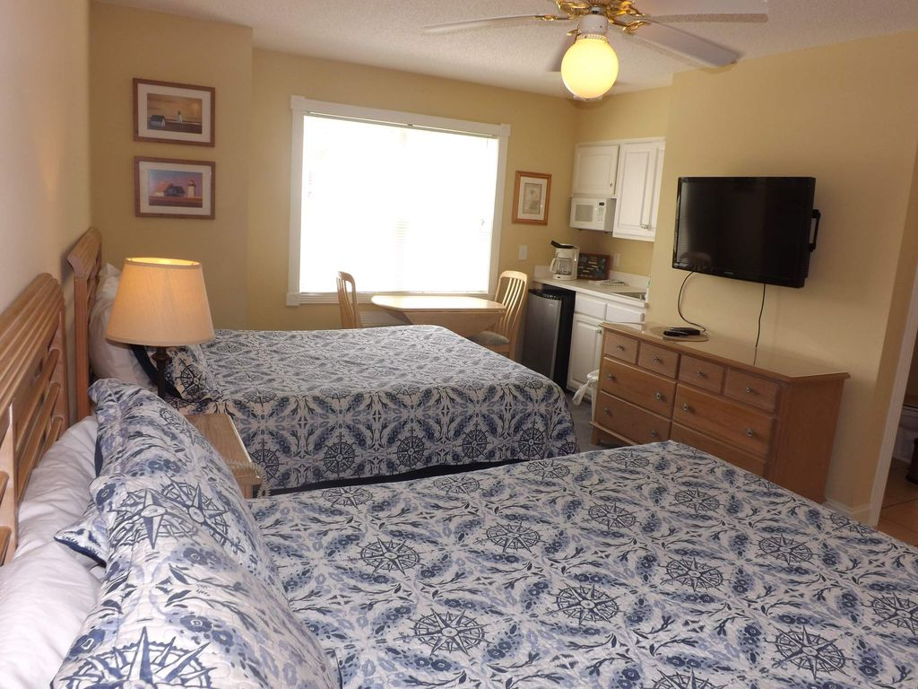 Brunswick Plantation Resort and Golf Villas in the Heart of NC Seafood Country(1506L)
