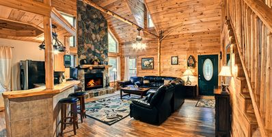 Photo for Deluxe 5BR; Perfect Family Cabin near Helen GA!