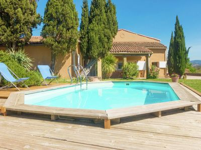Photo for Stunning holiday home with garden and swimming pool, in southern France