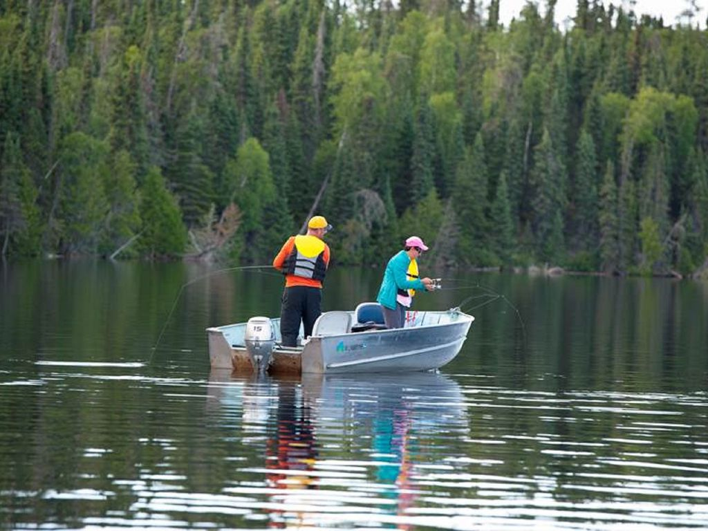 World class remote fishing hunting resort located in for Ontario canada fishing resorts