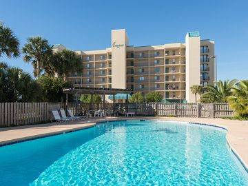 Enjoy your boat and the beach! Great 2bd/2ba bay front unit with Beach access