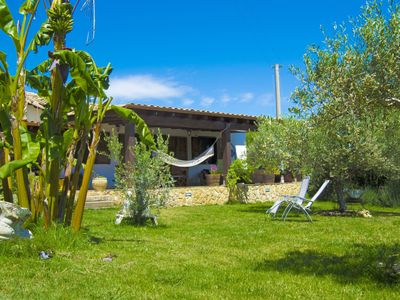 Photo for Stunning private villa for 4 people with WIFI, TV, pets allowed and parking