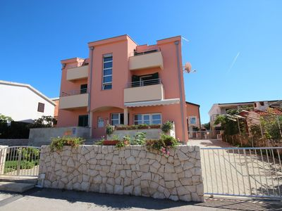 Photo for 1BR Apartment Vacation Rental in Vir, Dalmatien