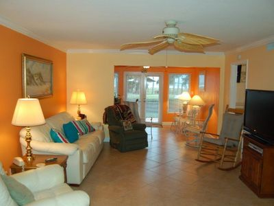 Photo for - 106- Across from Siesta Key Beach with Fantastic Renovated Kitchen for large families!