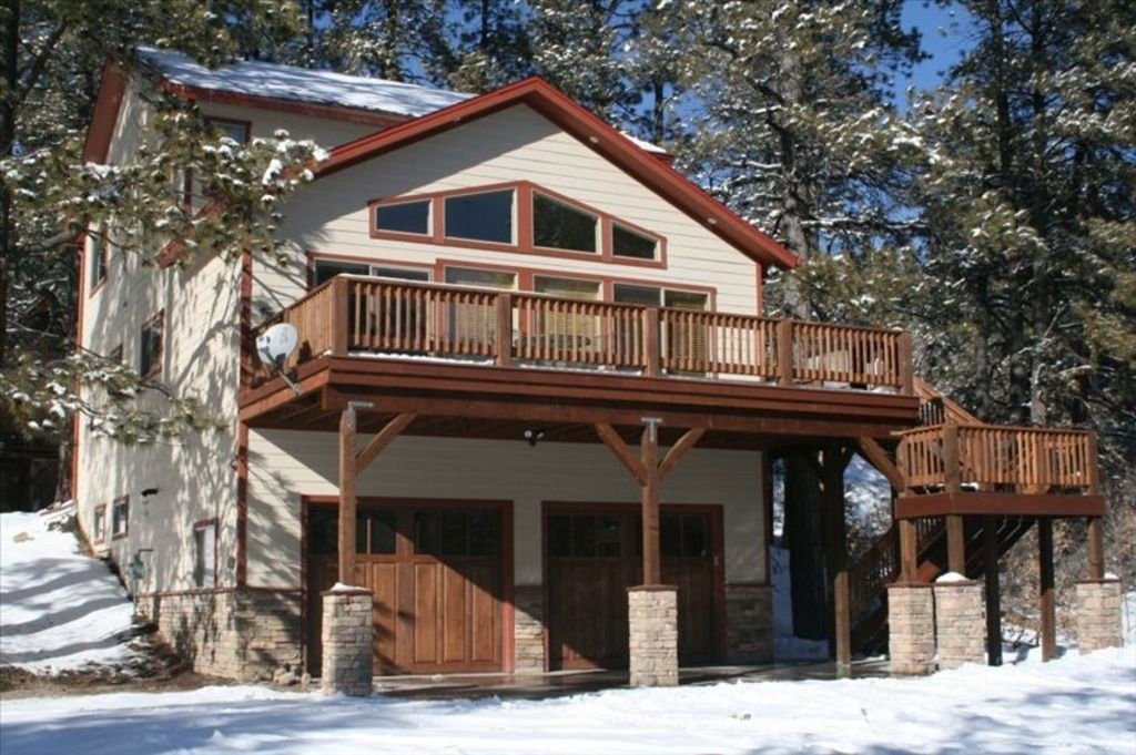Spacious 4 Bdrm Home With Hot Tub Ideal Lo Homeaway