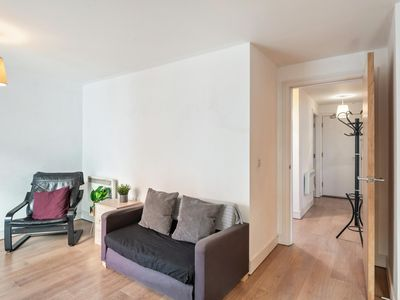 Photo for NEW Bright & Modern 2 BD in the Heart of Liverpool