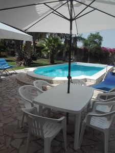Photo for Apartment in villa a few kilometers from Syracuse air-conditioned, swimming pool, parking.