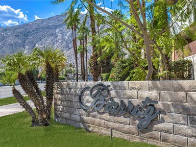 Photo for Beautiful Downtown Palm Springs Condo, Access to Pool, Spa, Tennis Courts!