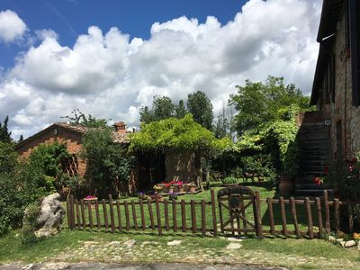 Photo for Farmhouse between Siena and the Chianti hills