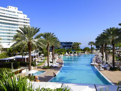 Photo for FONTAINEBLEAU HOTEL Bayview 1 Bedroom Suite Free Spa Passes and Valet