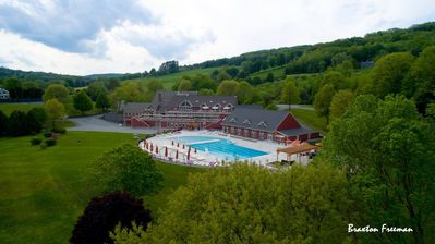 Photo for Quechee Lakes Golf and Ski Condo; COUNTRY CLUB LIFE!