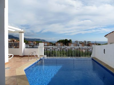 Photo for Detached Villa with air con, wi-fi, TV, private pool and spectacular views