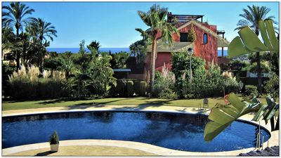 Photo for Unique Resort in light u. Colors, large tropical garden u. Traumh. Pool.