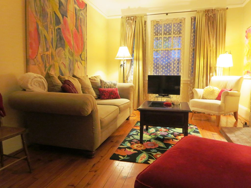 Lovely Downtown Arts & Crafts Home in Upsca... - VRBO