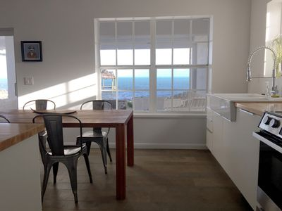 Oceanside - Open Ocean Views - Modern Cottage With Dockage