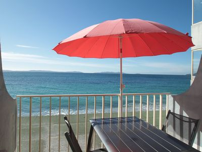 Photo for Studio feet in water with sea view and direct access to the beach of Cavalière
