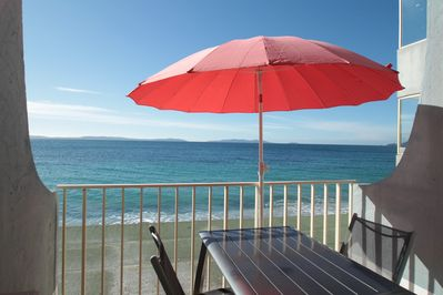Studio feet in water with sea view and direct access to the beach of  Cavalière - Cavaliere Beach
