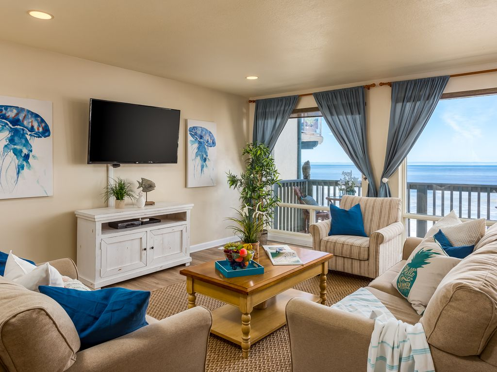 Condo On The Beach W Oceanfront Balcony And Patio