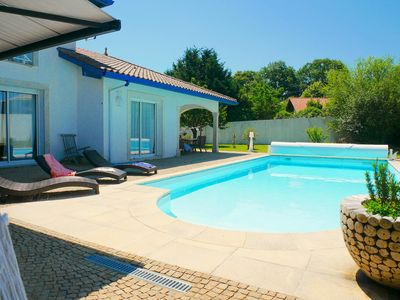 Photo for Spacious, bright villa, beach bike or shuttle, between Biarritz and Hossegor