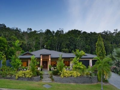 Photo for 4BR House Vacation Rental in THRUSH TCE, QLD
