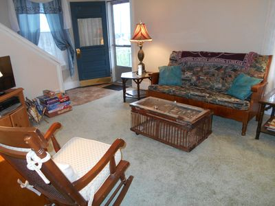 Photo for Vacation house 4 BR on Kanawha River close to rafting, zip lining, state parks