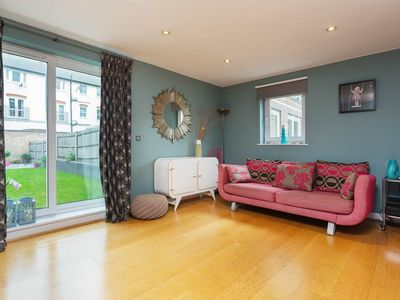 Photo for 3 bed home situated only moments from Victoria Park and the tube (Veeve)