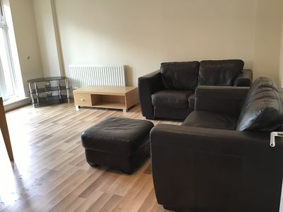 Photo for Impeccable 1-Bed Apartment in Reading