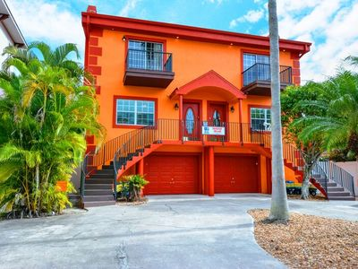 Photo for Deluxe 6-Bedroom Siesta Key Townhouse Vacation Rental - With Heated Pool
