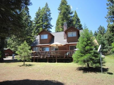 Photo for 4BR House Vacation Rental in Lake Almanor Country Club, California