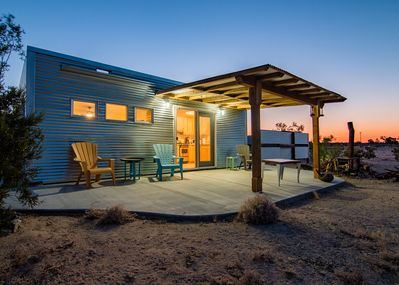 PRIVATE Desert Bungalow for TWO w/outdoor shower / Pet Friendly -  Twentynine Palms