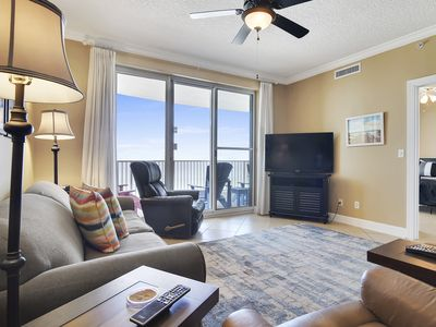 Photo for Enjoy immaculate views from this luxurious 6th floor condo at Twin Palms!