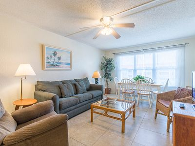 Photo for Gulfview II 302 - Stay where you play! Clubhouse, Tennis Courts, Spa, Pool. Next to Schlitterbahn & Isla Blanca Park.