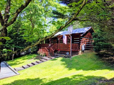 Photo for Charming & Clean Log Cabin!