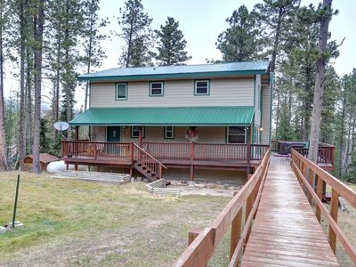 Photo for Bigfoot Bungalow - private location and great amenties!